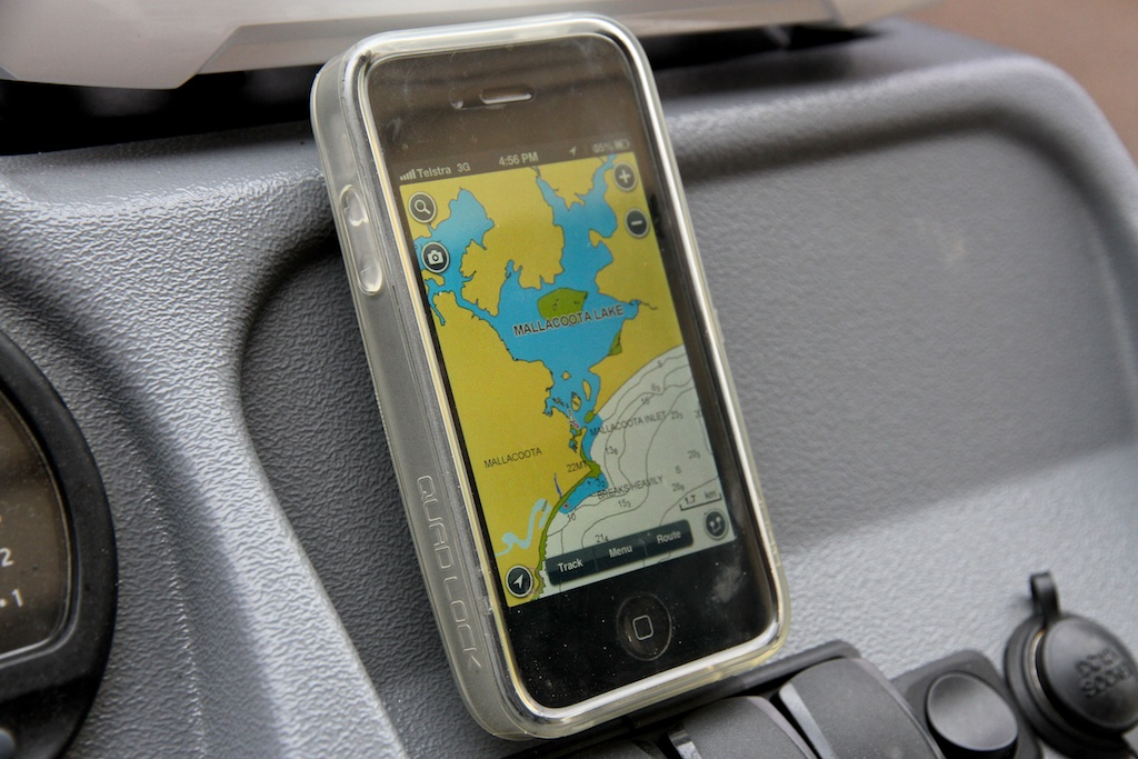 Using your iphone as a marine gps chartplotter for fishing for Navionics fishing app